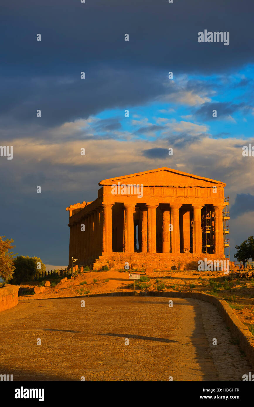 Temple of Concordia, Valley of the Temples, Agrigento, Sicily, Italy - Stock Image