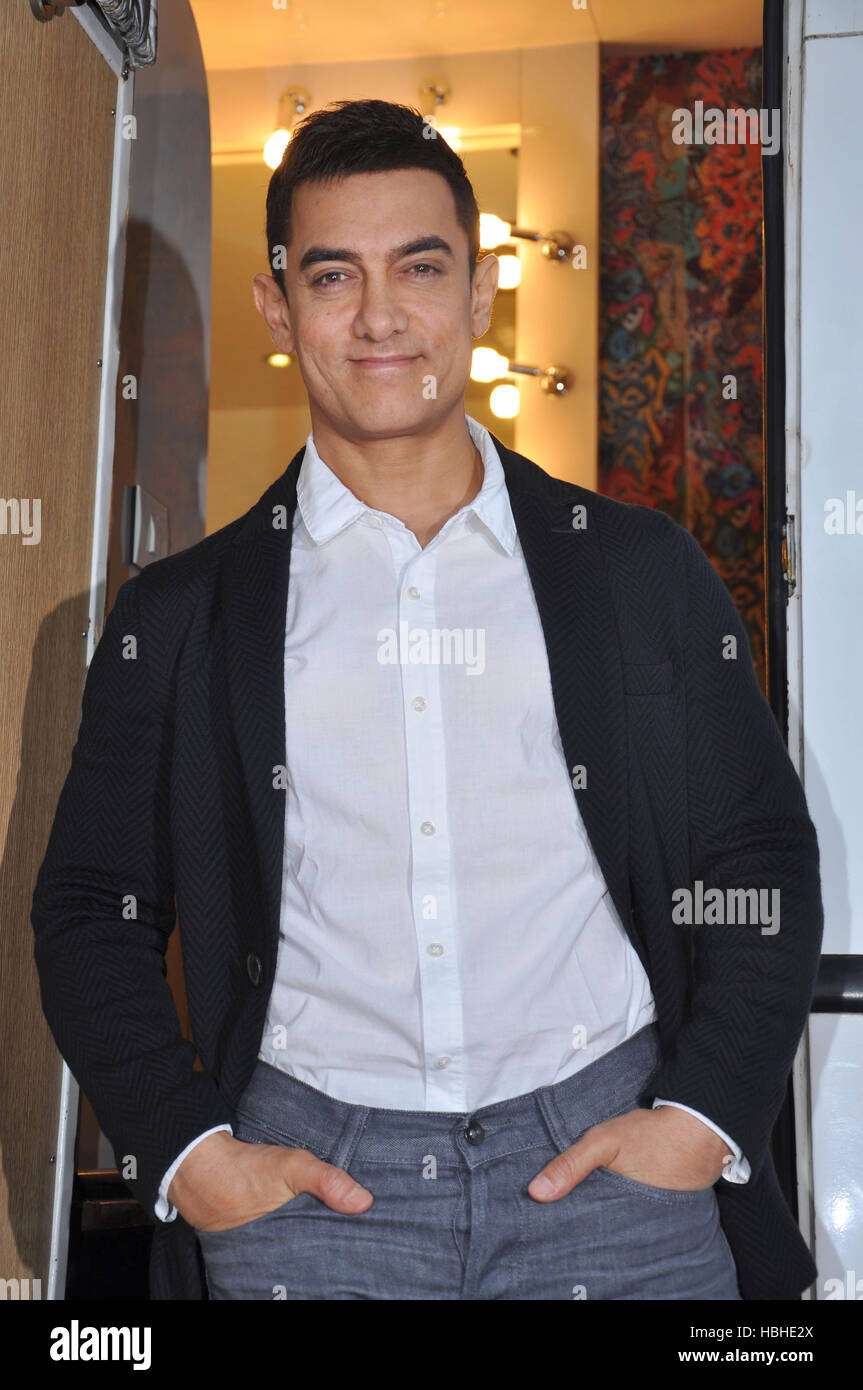 Bollywood actor Aamir Khan promotion upcoming film Talaash sets television show Mumbai - Stock Image