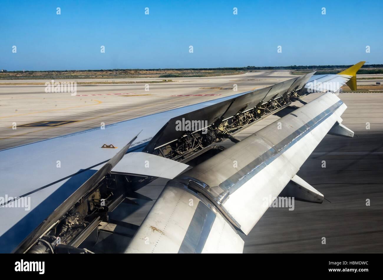 engines Advance landing flaps - Stock Image