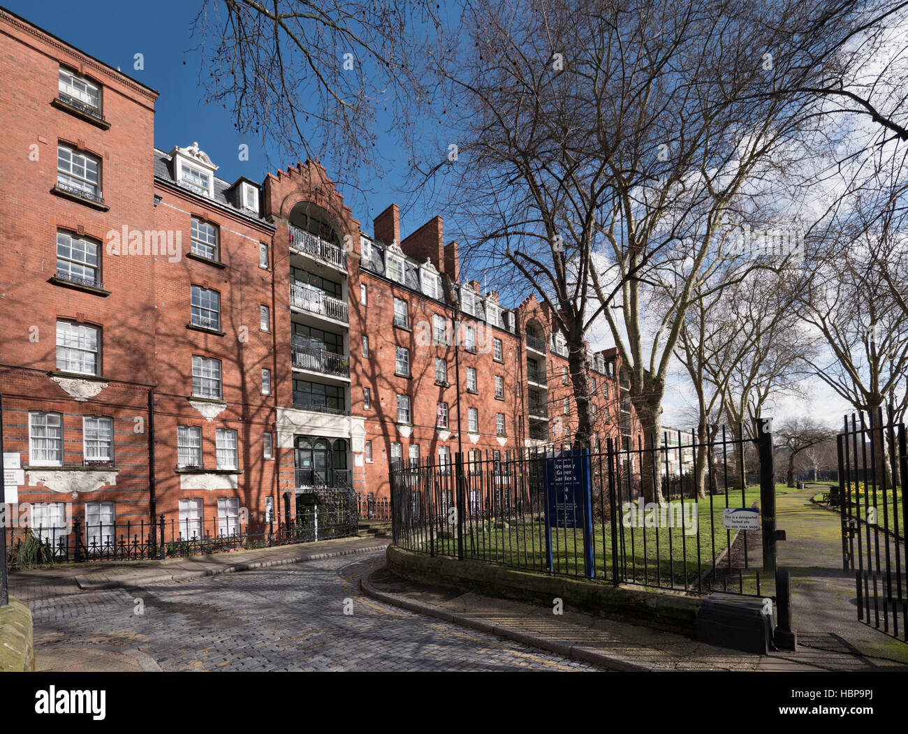 Stepney Green Court, Four Per Cent Industrial Dwelling Society social housing built in 1896, sponsored by Lord Rothschild - Stock Image