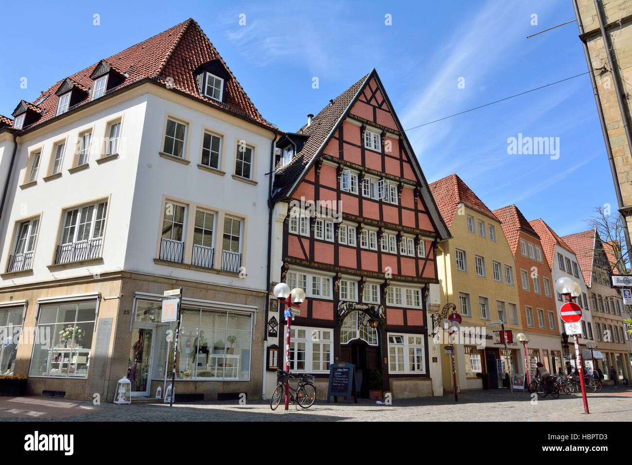 Street view on Bierstrasse street in Osnabruck, with historic building Romantik Hotel Walhalla - Stock Image