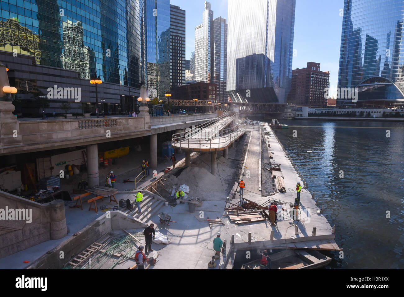 Construction workers in Chicago, Illinois. - Stock Image