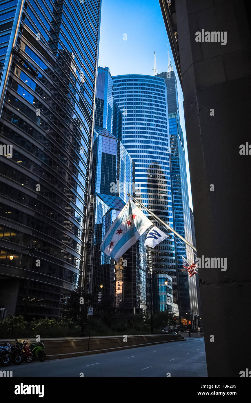 One South Wacker is a 550 ft tall skyscraper in Chicago, Illinois, United States. It was constructed from 1979 to - Stock Image