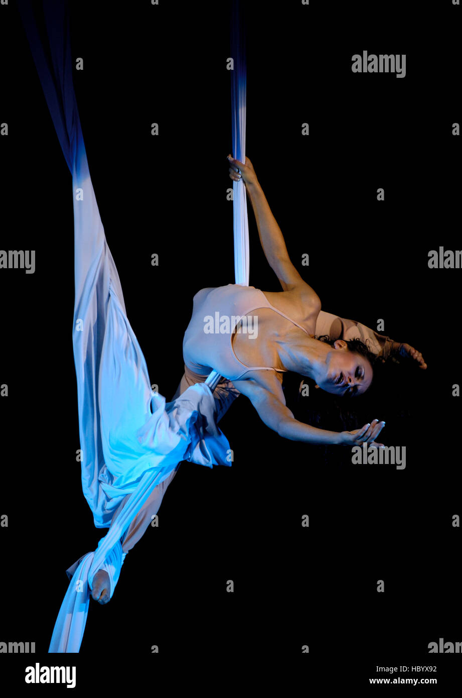 Young woman performing expressive acrobatic feats on a rope, show-ballet troup A-6, Kiev, Ukraine, Eastern Europe - Stock Image