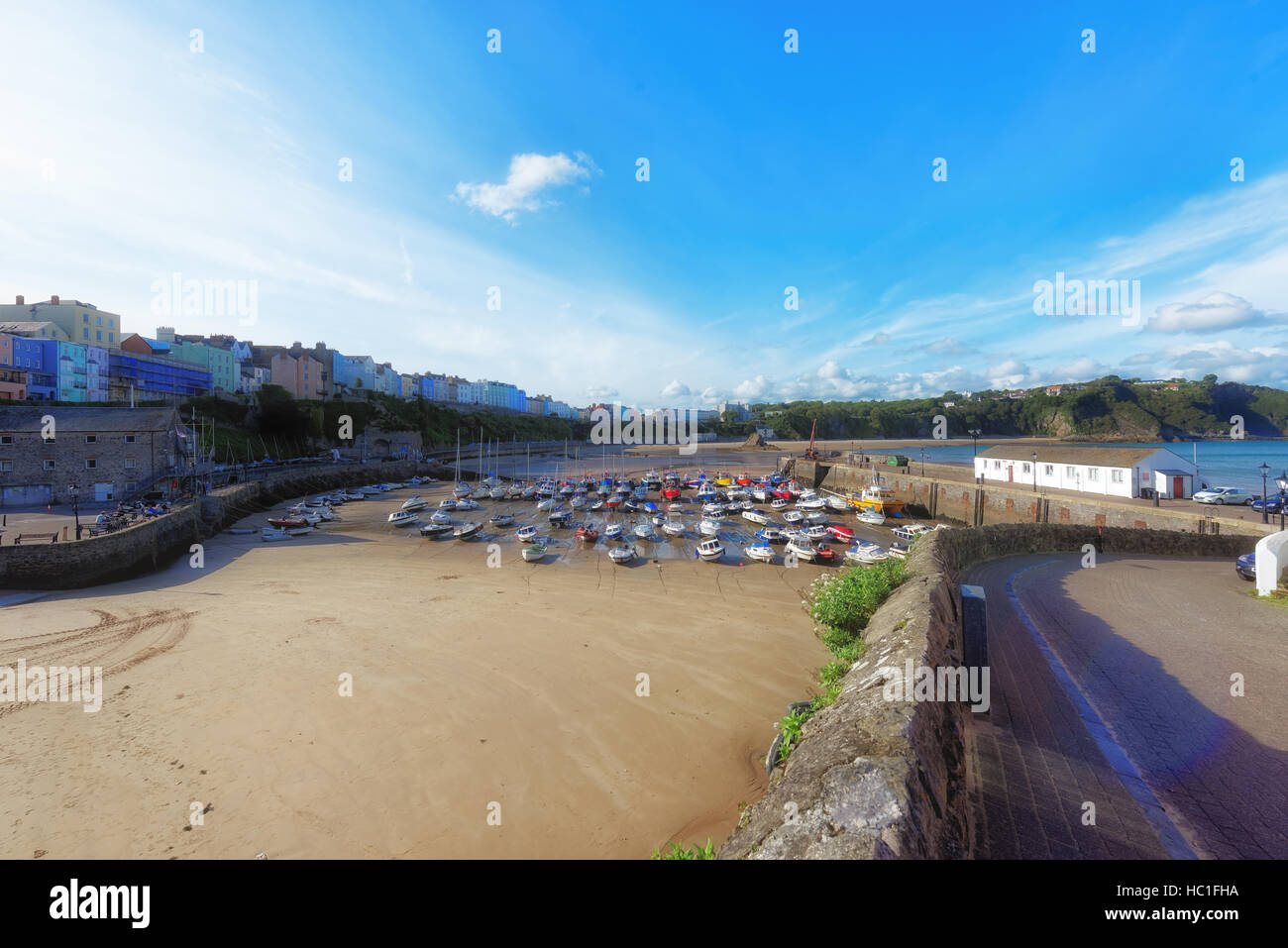 Glorious Sunny day in Tenby, Overlooking the Harbour - Stock Image