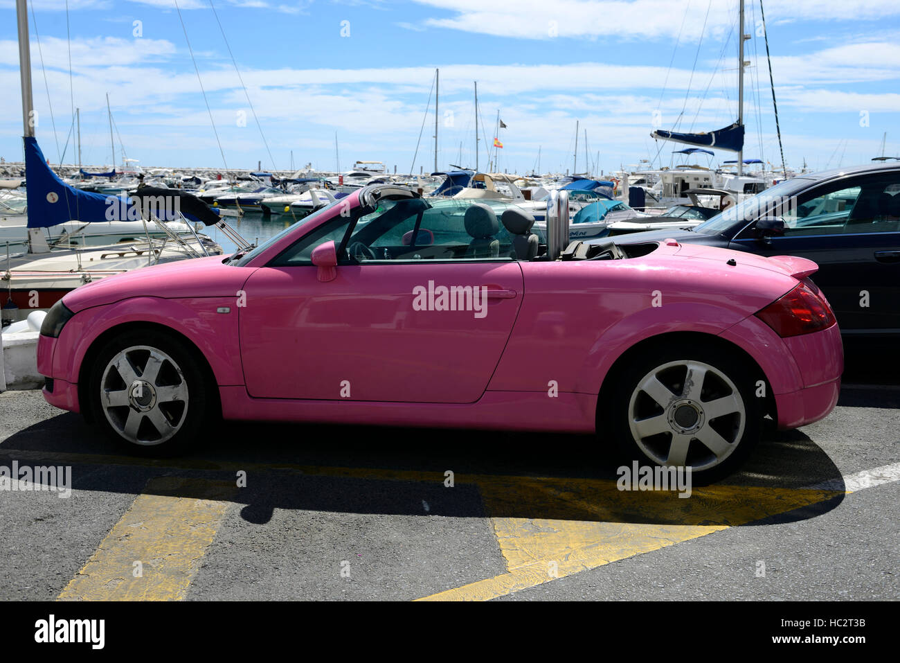 Pink Audi Tt Roadster Open Top Soft Top Convertible Car Auto Puerto