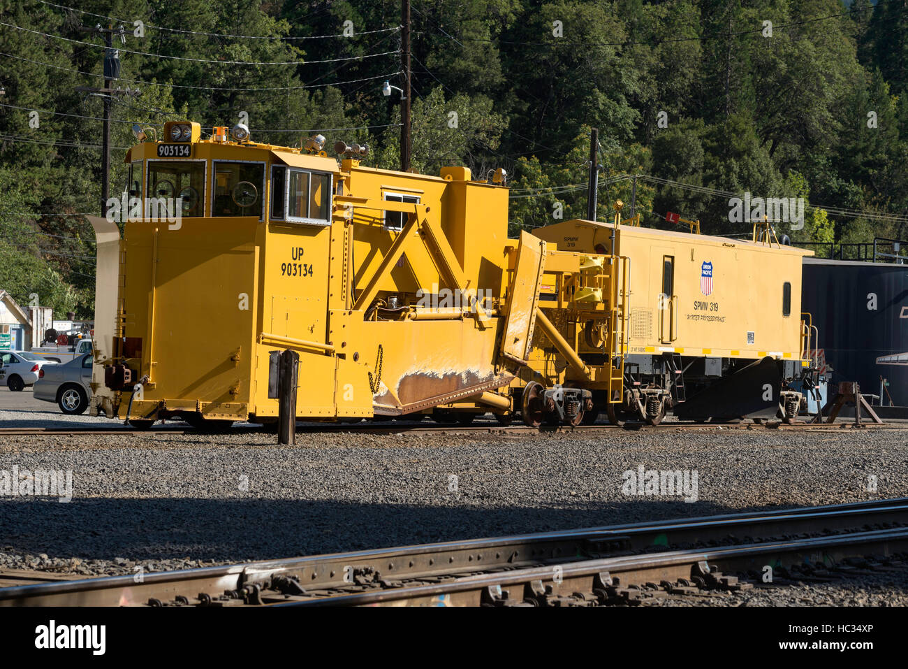 Union Pacific spreader in the Dunsmuir California rail yard. - Stock Image