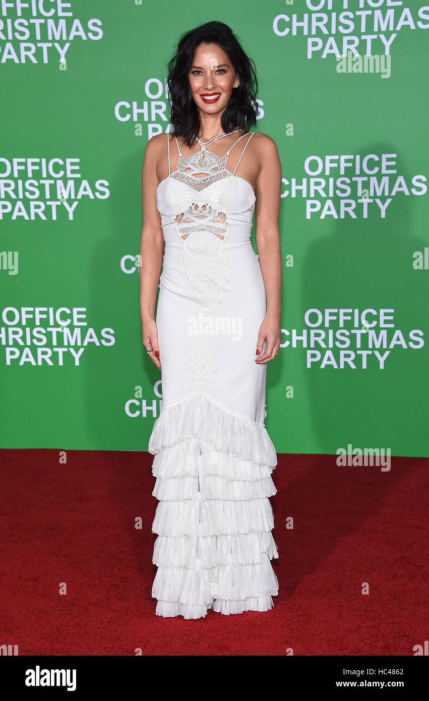 Westwood, California, USA. 7th Dec, 2016. Olivia Munn arrives for the premiere of the film 'Office Christmas - Stock Image