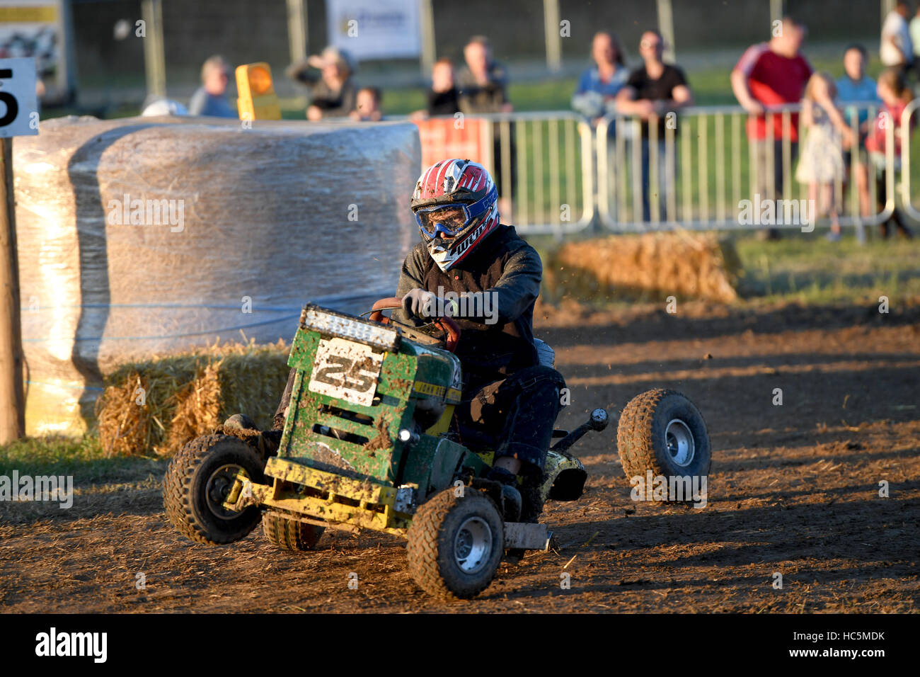 Lawn Mower Racing >> The British Lawn Mower Racing Association 12 Hour Lawn Mower