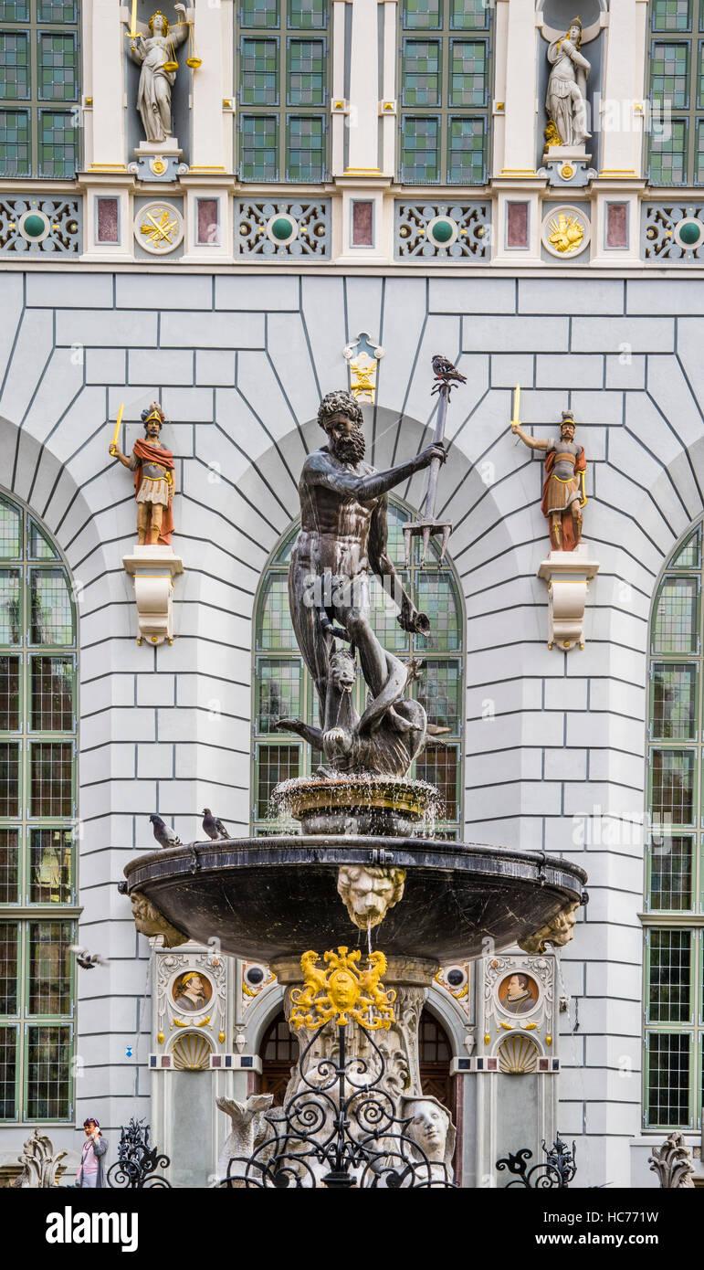 Poland, Pomerania, Gdansk (Danzig), Neptune's Fountain Statue at Long Market (Langer Markt/Dlugi Targ) , Artus Court Stock Photo