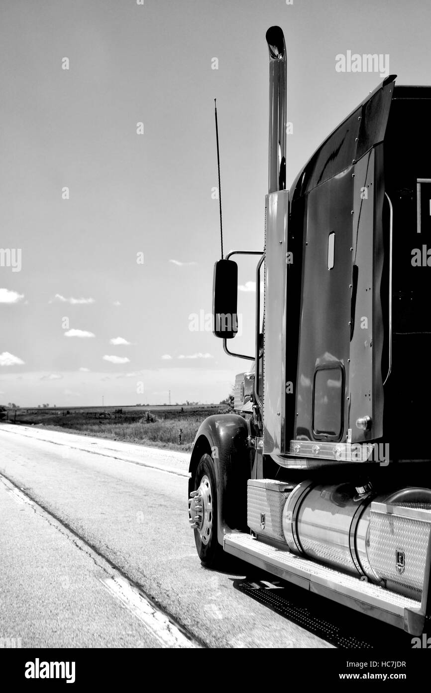 Truck heading southbound on Interstate 74 in Illinois, USA. - Stock Image