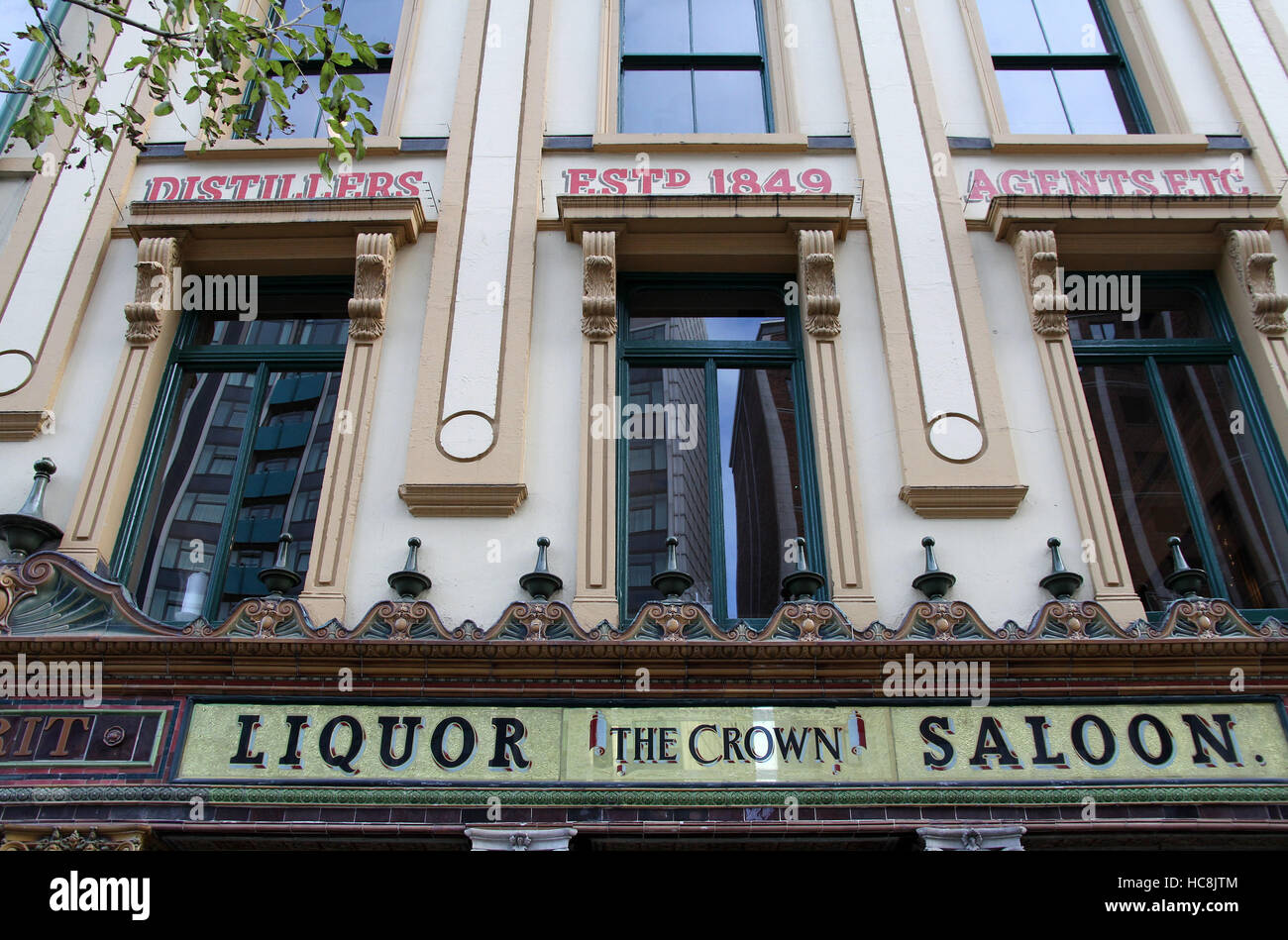 The famous Crown Liquor Saloon in Belfast - Stock Image