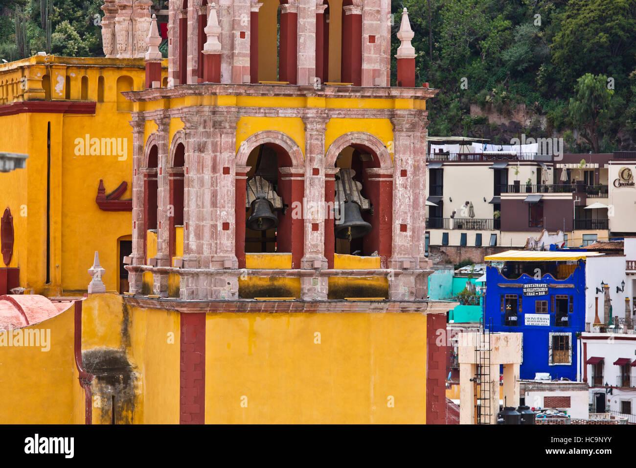 The Basilica Colegiata de Nuestra Senora that grace the town - GUANAJUATO, MEXICO - Stock Image
