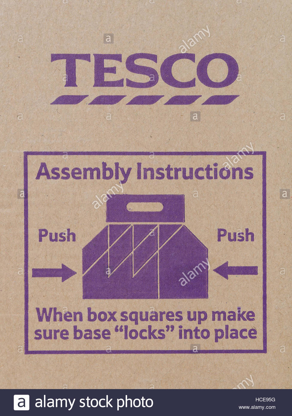 Assembly instructions printed on Carrier carton for Tesco bottles - Stock Image