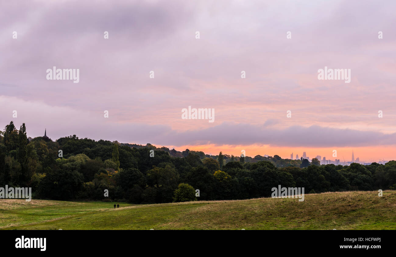 Stunning dawn over the London skyline from Hampstead Heath, London, UK - Stock Image