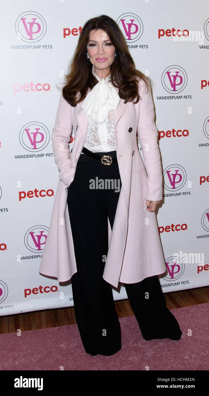 New York, NY, USA. 8th Dec, 2016. Lisa Vanderpump at in-store appearance for Lisa Vanderpump Pets Releases New Lifestyle Products in Partnership with PETCO, PETCO Union Square, New York, NY December 8, 2016. Credit:  RCF/Everett Collection/Alamy Live News Stock Photo