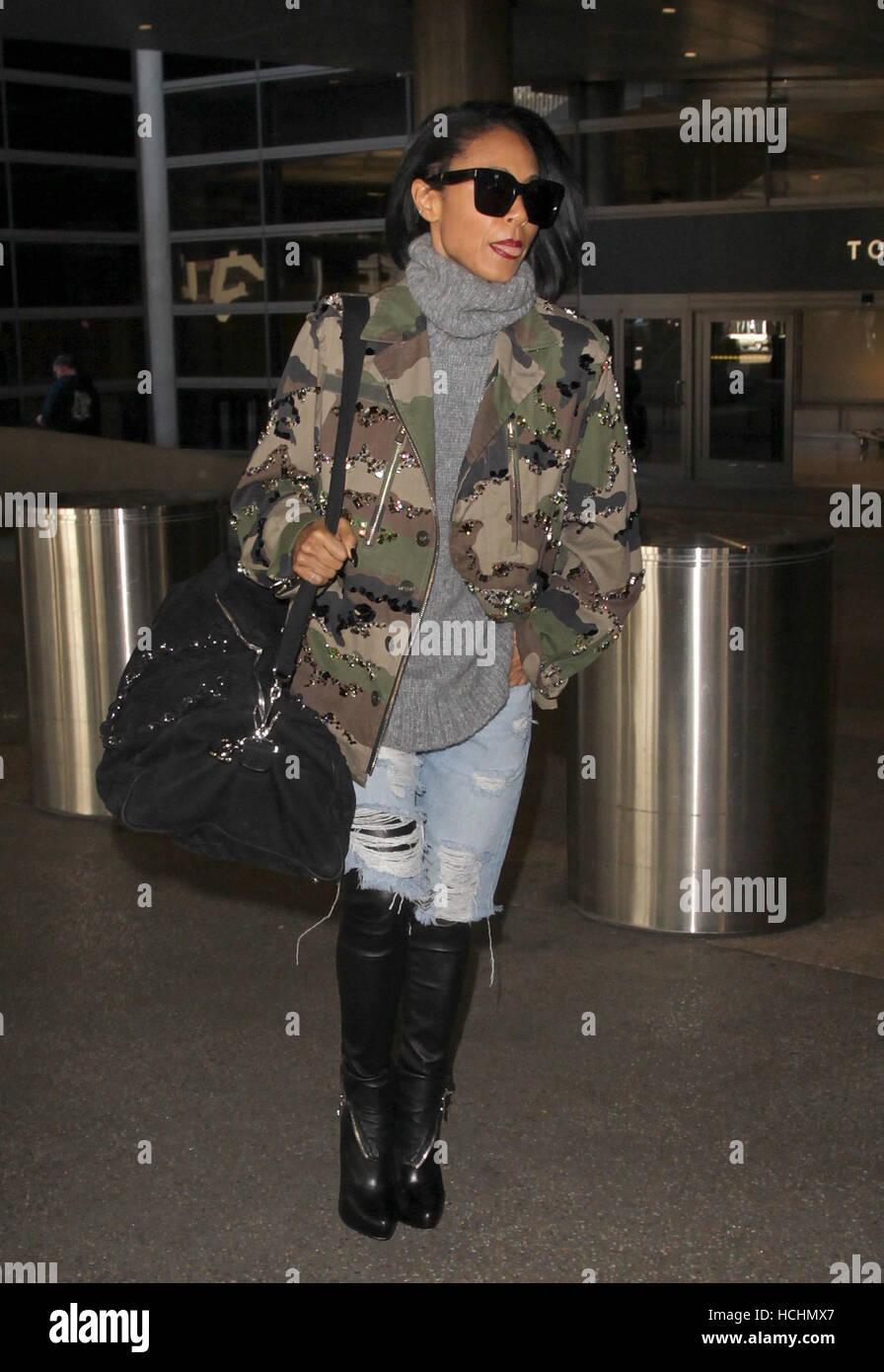 366bb2d0ec7 Los Angeles, Ca, USA. 8th Dec, 2016. Jada Pinkett Smith seen at LAX ...