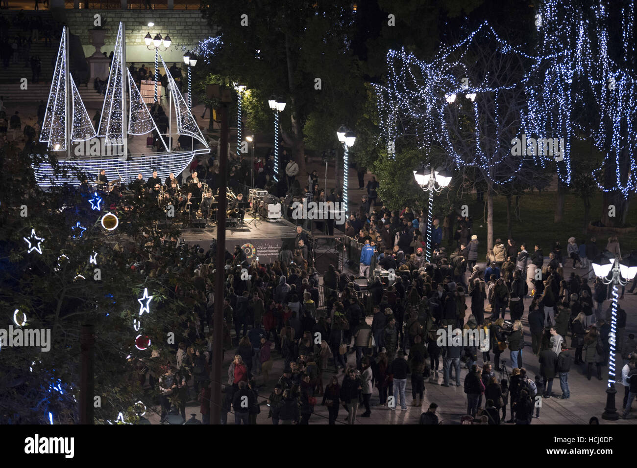 Christmas Boat Greece.Athens Greece 9th Dec 2016 Athenians Gather At Syntagma