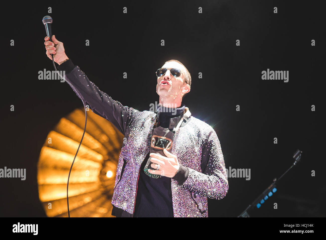 London, UK. 9th December, 2016. December 9, 2016 - Ex, The Verve, frontman, Richard Ashcroft, performs at the London Stock Photo