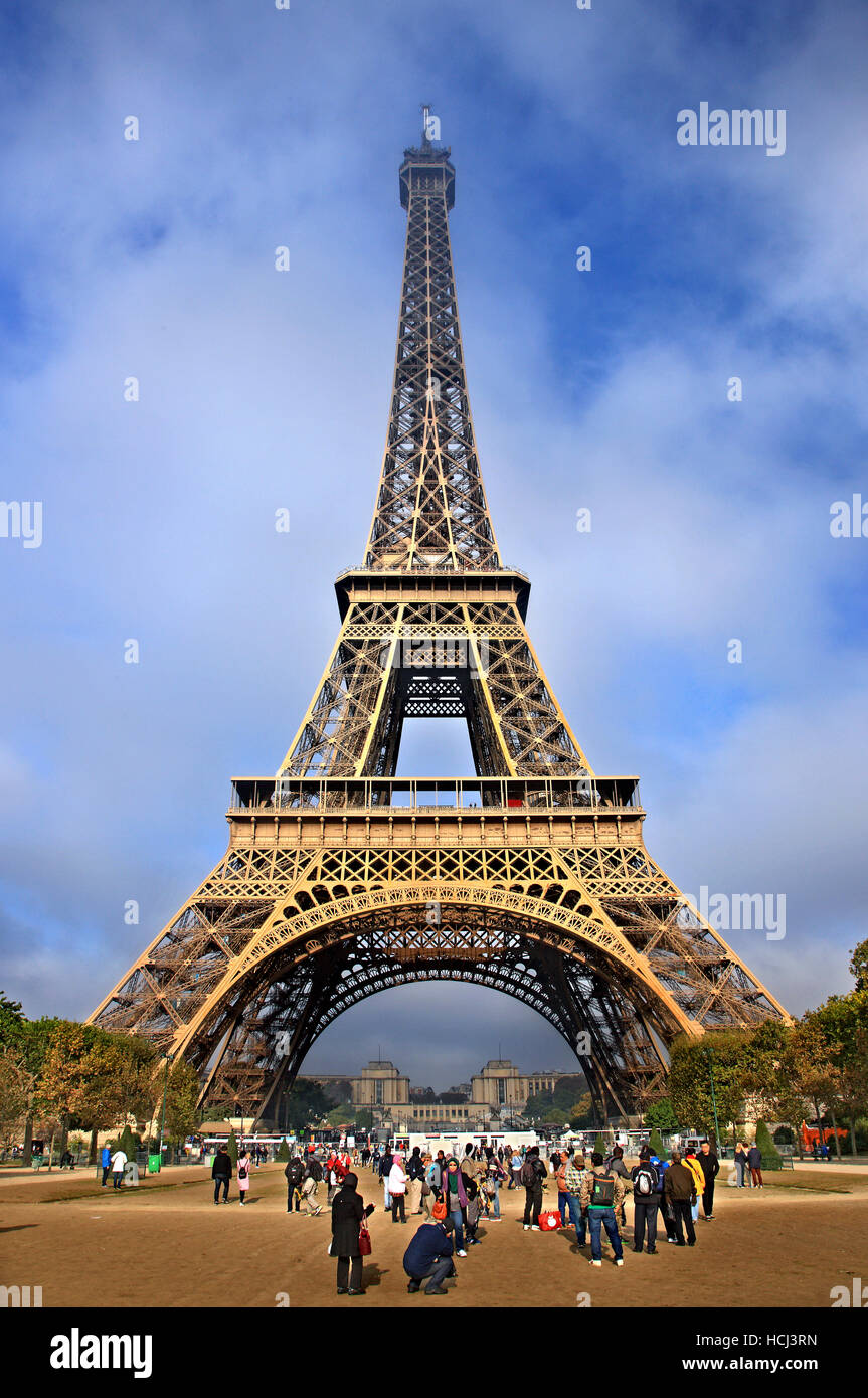 View of the Eiffel tower from the side of Champ de Mars, Paris, France. - Stock Image