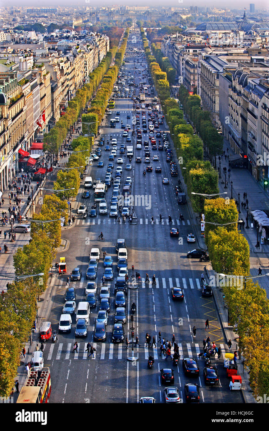 The Champs-Élysées as seen from the Arc de Triomphe (Arch of Triumph), Paris, France. - Stock Image