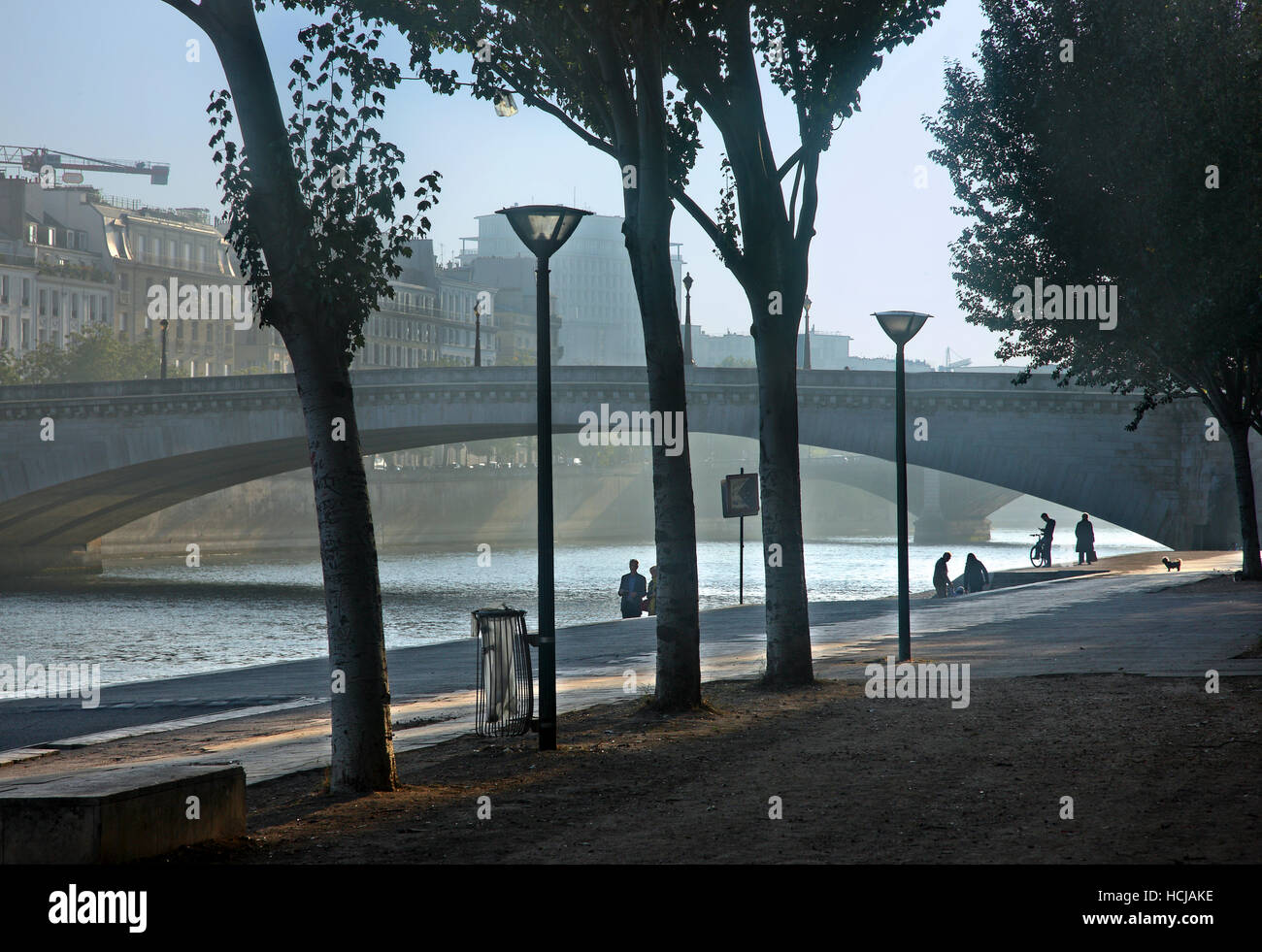 Early morning at the left bank of river Seine, next to Pont de la Tournelle, Paris, France - Stock Image