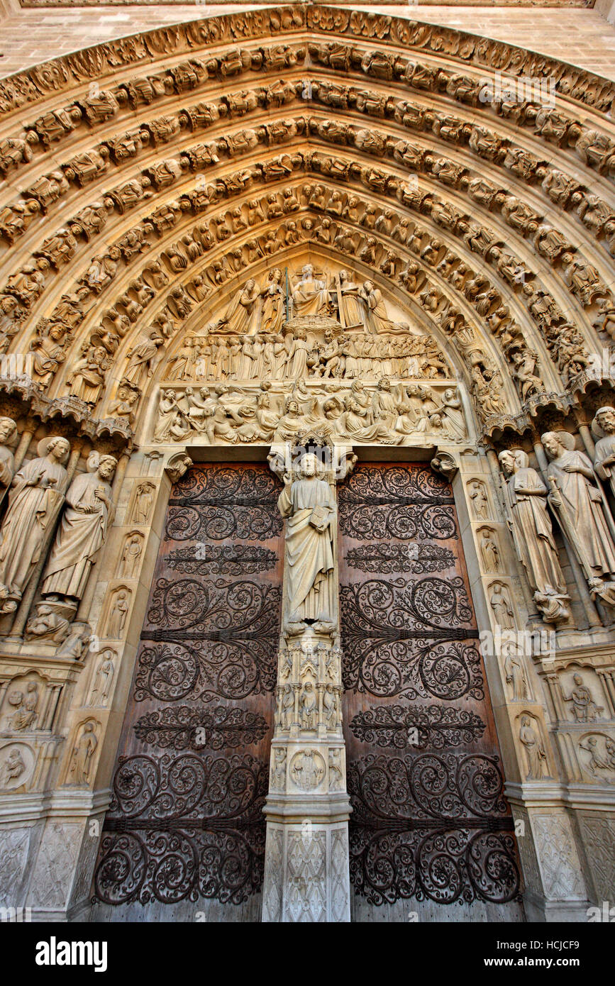 The Portal of the Last Judgement,  Notre Dame Cathedral,  Île de la Cité, Paris, France. Stock Photo
