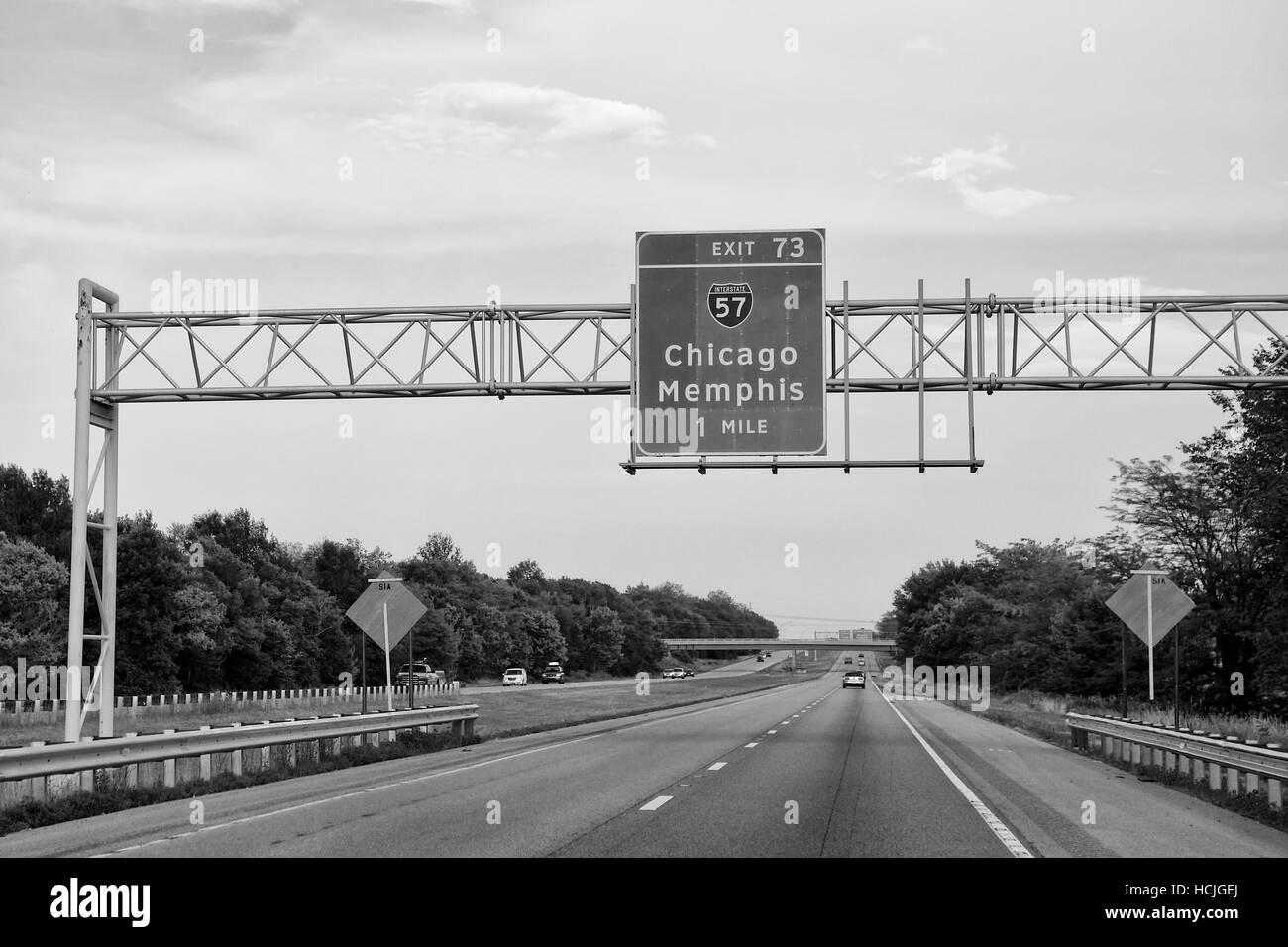 Sign on Interstate 64, near Mount Vernon, Jefferson County, Illinois, USA. - Stock Image