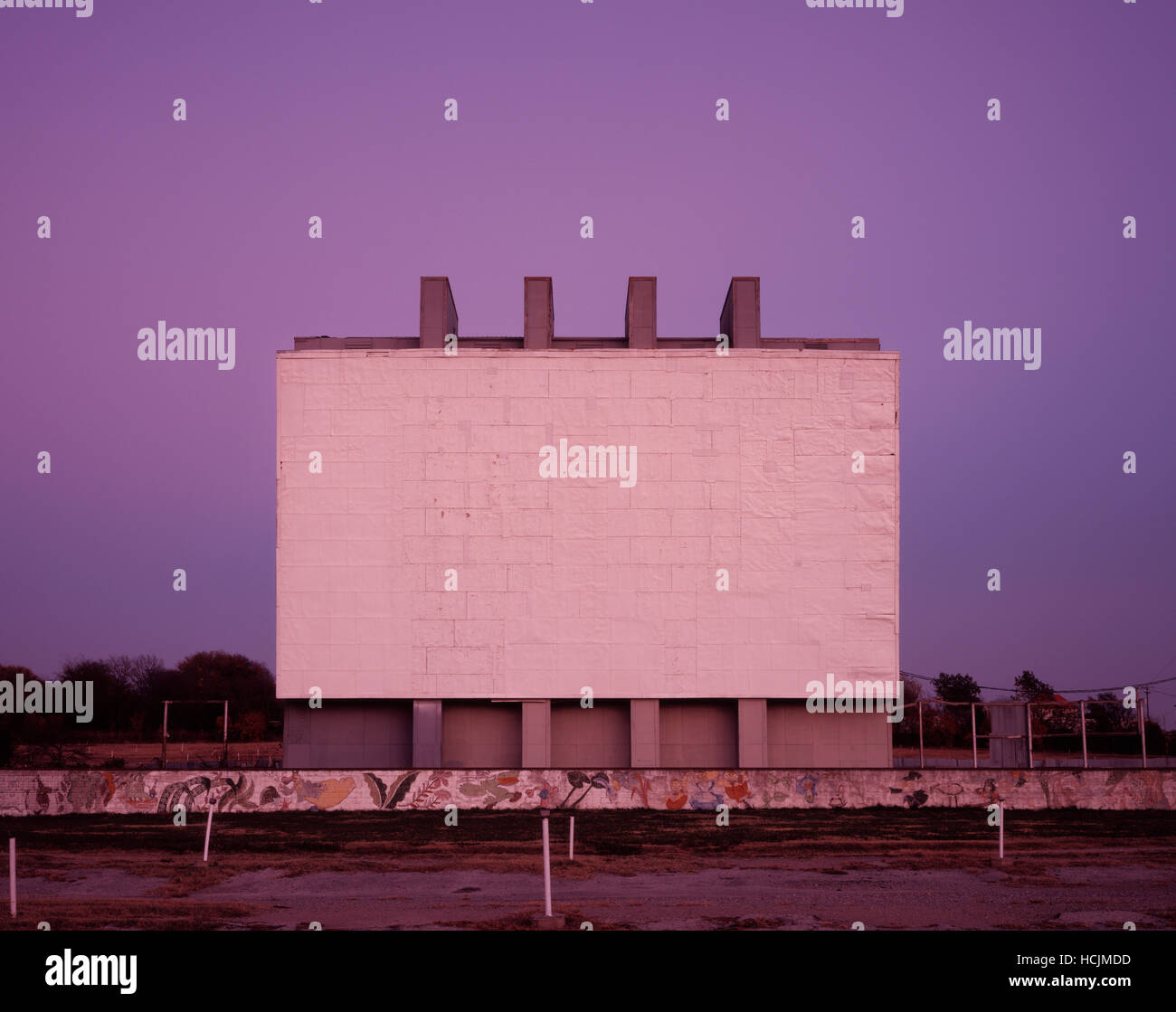 A Drive In Movie Screen Sits Empty As The Theater Is Closed For The Stock Photo Alamy