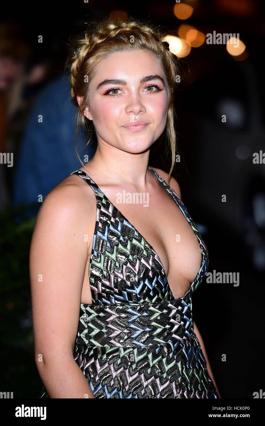 Images Florence Pugh nude (16 photo), Topless, Sideboobs, Boobs, bra 2006