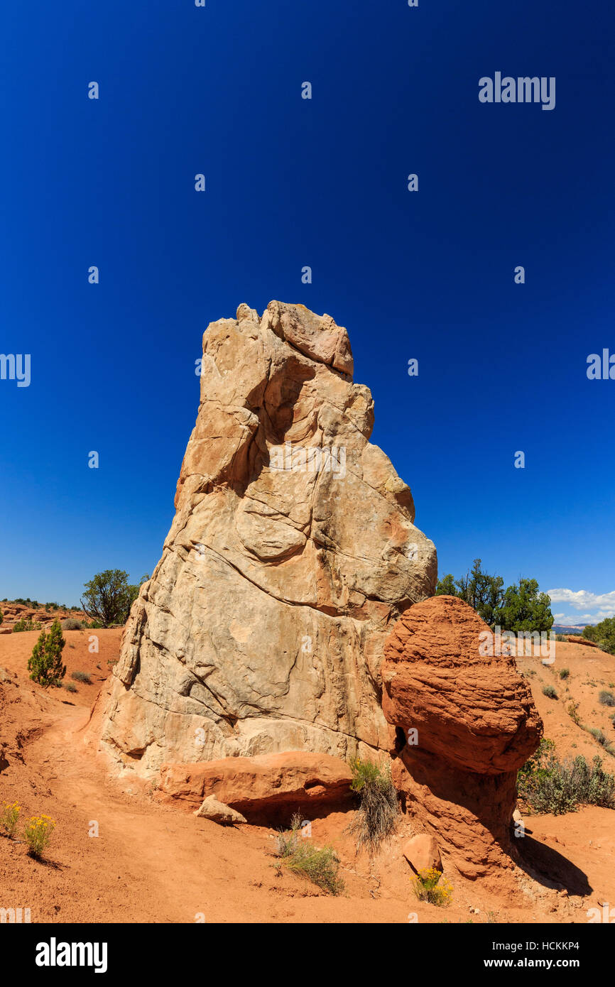 Redrock hoodoos an unsurpassed views make this one of the most popular trails in the Basin State Park. - Stock Image