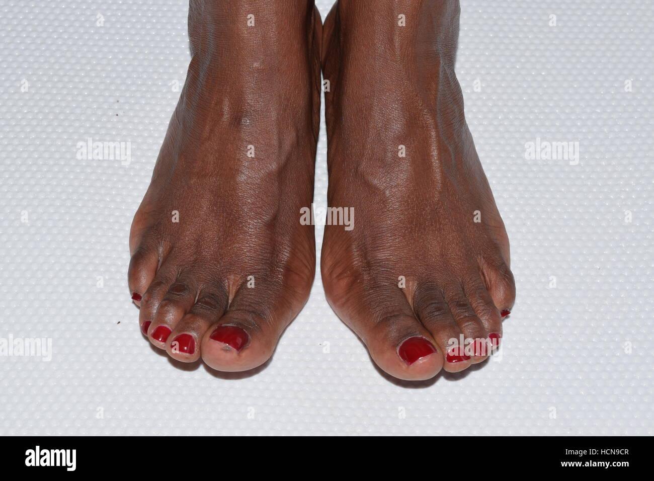 Ebony men feet