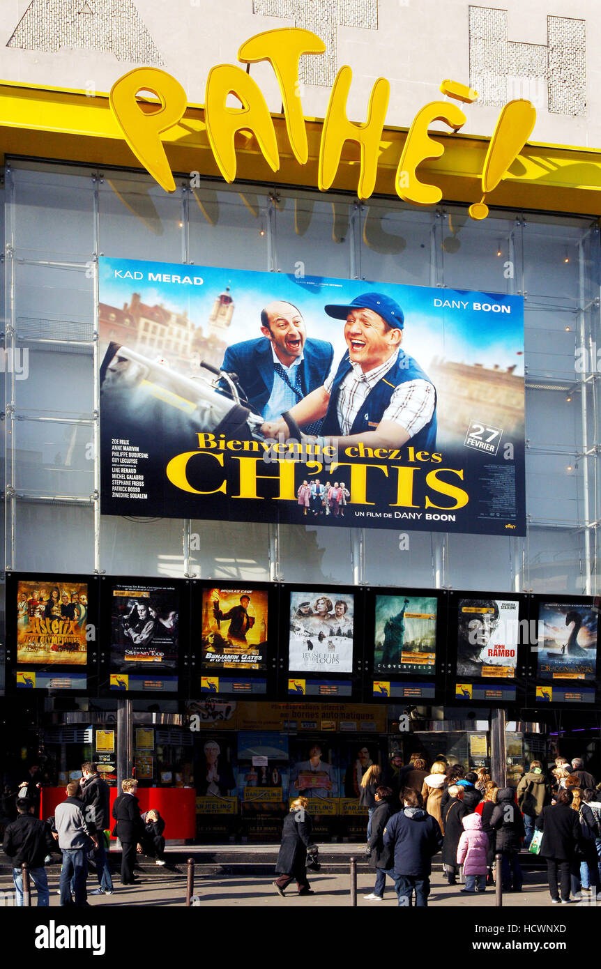 Dany Boon film Les Ch'tis advertisement in a movie theater - Stock Image