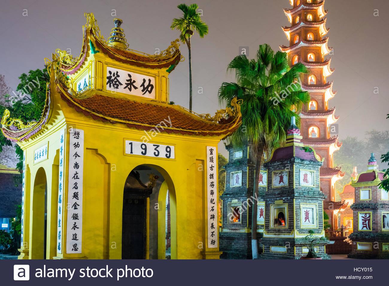 Tran Quoc Pagoda (Chua Tran Quoc) at night, Tay Ho District, Hanoi, Vietnam, Indochina Stock Photo