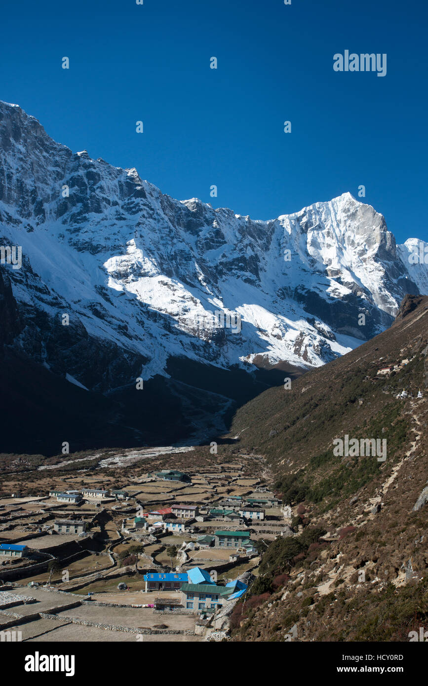 The little mountain village and monastery of Thame in the Khumbu Region, Nepal - Stock Image