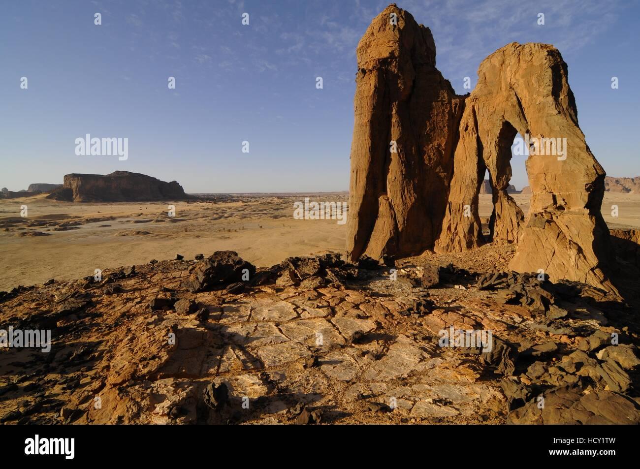D'Anoa natural arch, Sahara desert, Ennedi, Chad, Africa - Stock Image