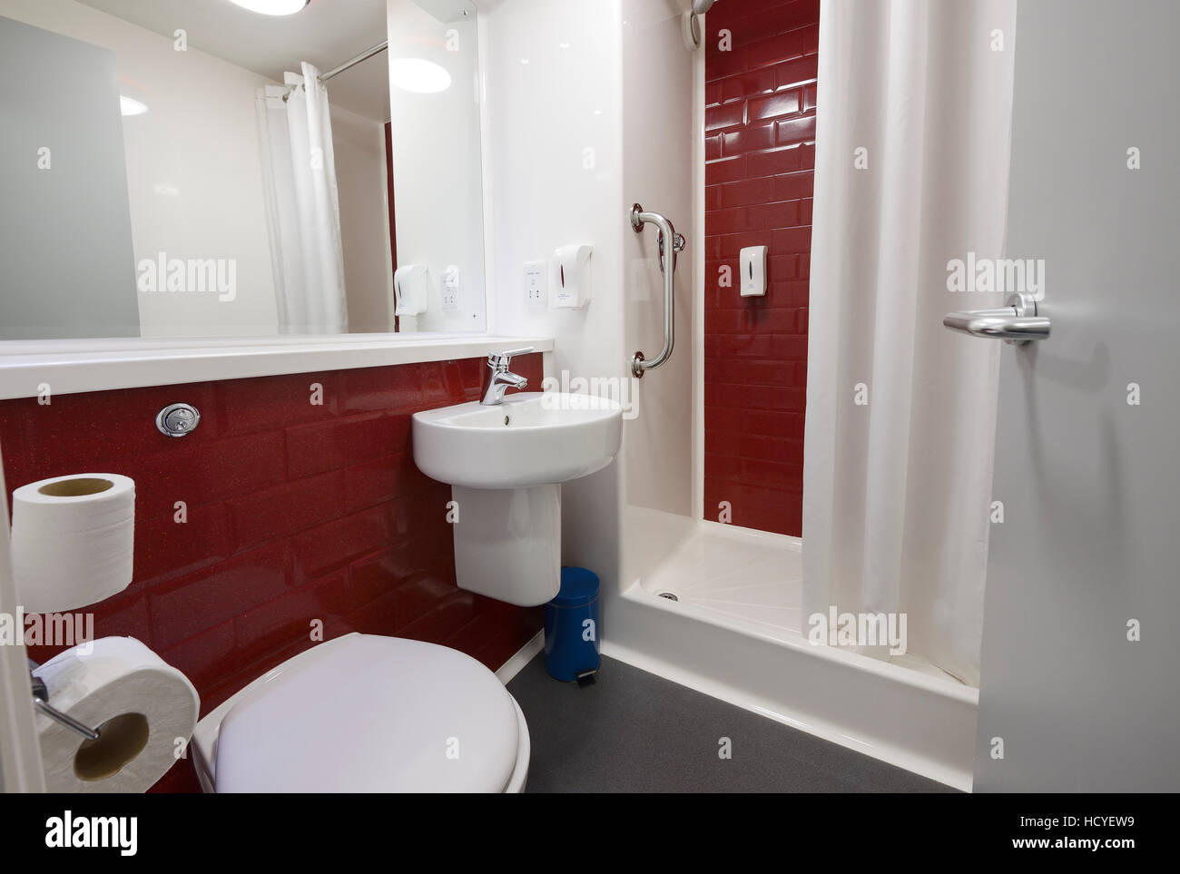 The bathroom in a budget chain hotel - Stock Image