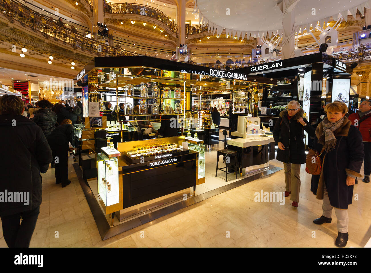 Paris, France, December 4, 2016. First shopping Sunday in Galeries Lafayette, Dolce & Gabbana shop wait for - Stock Image