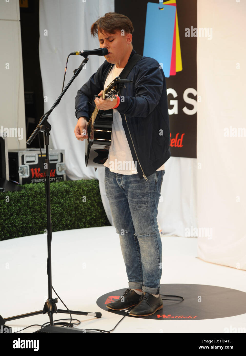 Westfield Stratford Gigs grand final  Featuring: Lewis Smith Where: London, United Kingdom When: 04 Sep 2016 Stock Photo