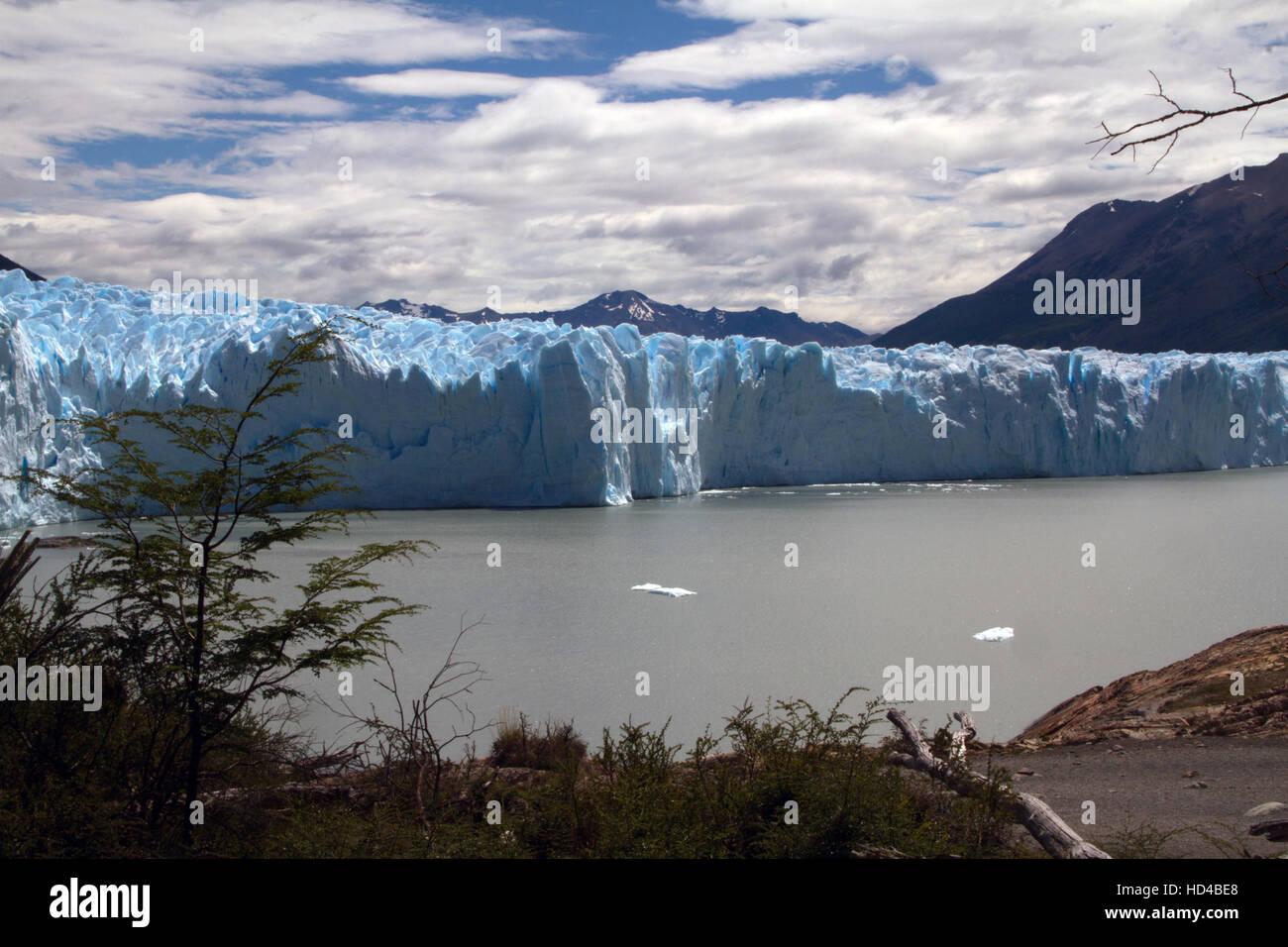 EL CALAFATE, ARG, 06.12.2016: Argentinian Perito Moreno Glacier located in the Los Glaciares National Park in southwest - Stock Image