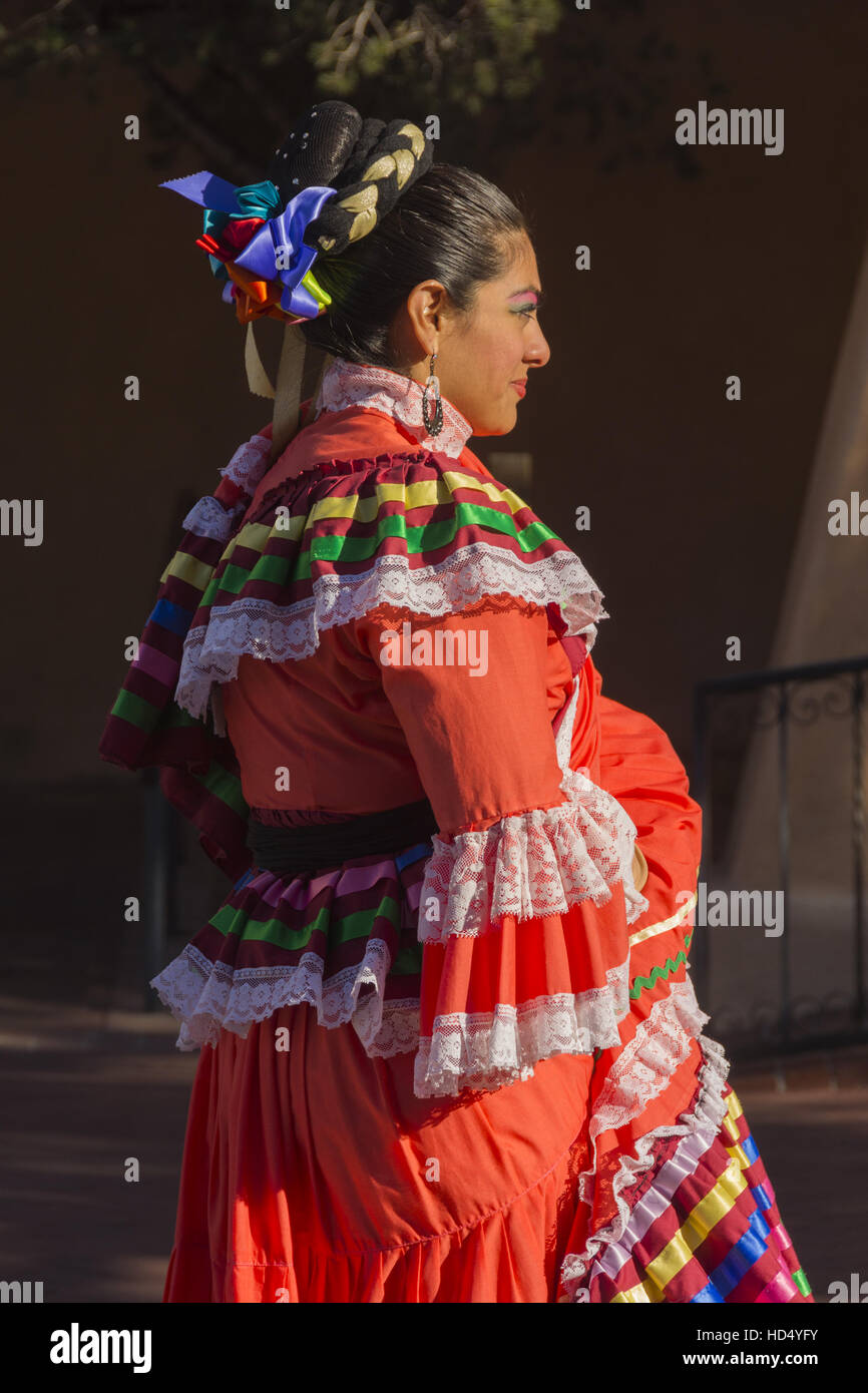 New Mexico, Albuquerque, Old Town, folklorico dancer in traditional costume - Stock Image