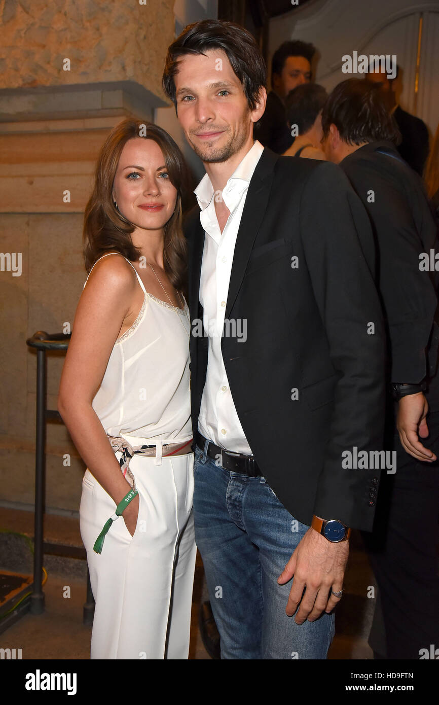 First Steps Awards 2016 At Theater Des Westens After Party Featuring Alice Dwyer Sabin Tambrea Where Berlin Germany When 19 Sep 2016 Stock Photo Alamy