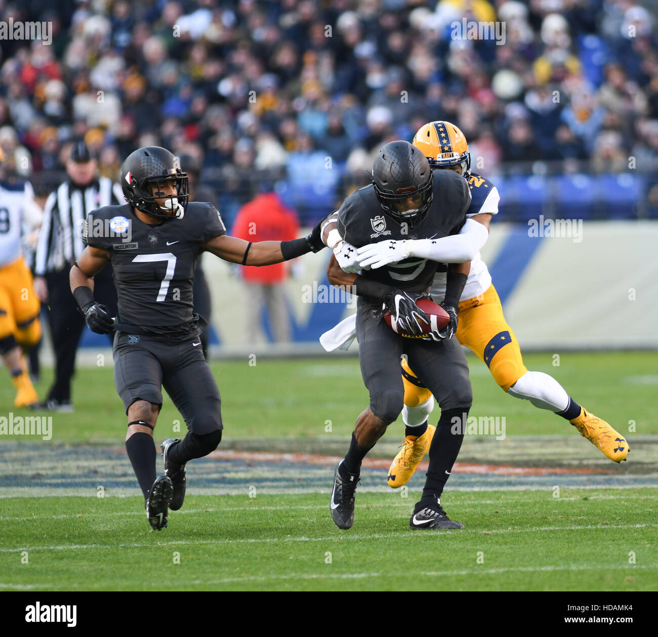 Baltimore, Maryland, USA. 10th Dec, 2016. Army's DB XAVIER MOSS, intercepts the ball during the game at M&T - Stock Image