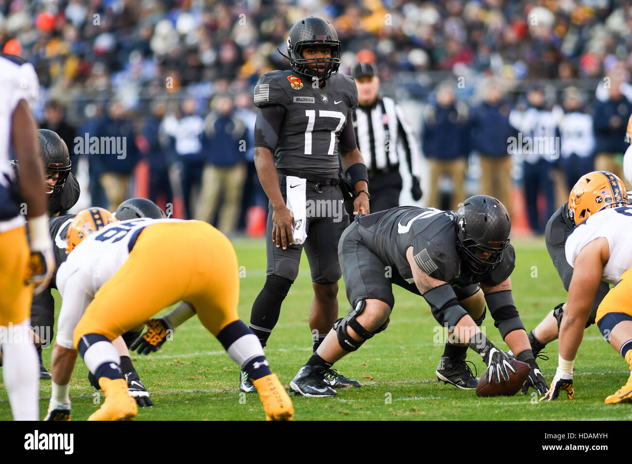 Baltimore, Maryland, USA. 10th Dec, 2016. Army's QB, AHMAD BRADSHAW, in action during the game at M&T Bank - Stock Image
