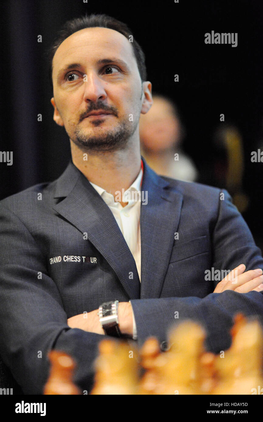 London, UK. 11th Dec, 2016. Veselin Topalov (BUL) looking relaxed as he waits for the start of professional play - Stock Image