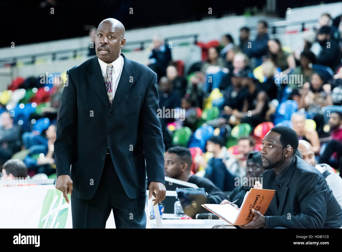 London, UK, 11 December 2016.  Newcastle Eagles beat London Lions 87 vs 80 in an exciting basketball game in the - Stock Image