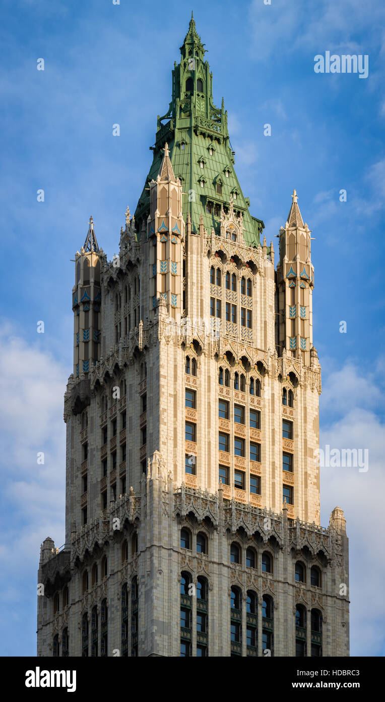 woolworth building neo gothic architecture with terra cotta