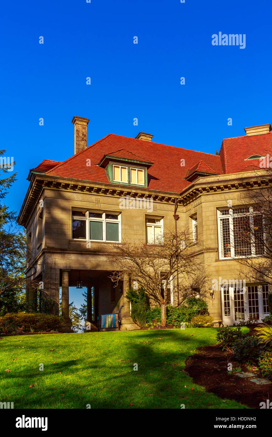 Portland, Oregon, USA - February 25, 2016: Originally built in 1909, Pittock mansion is a French Renaissance-style - Stock Image