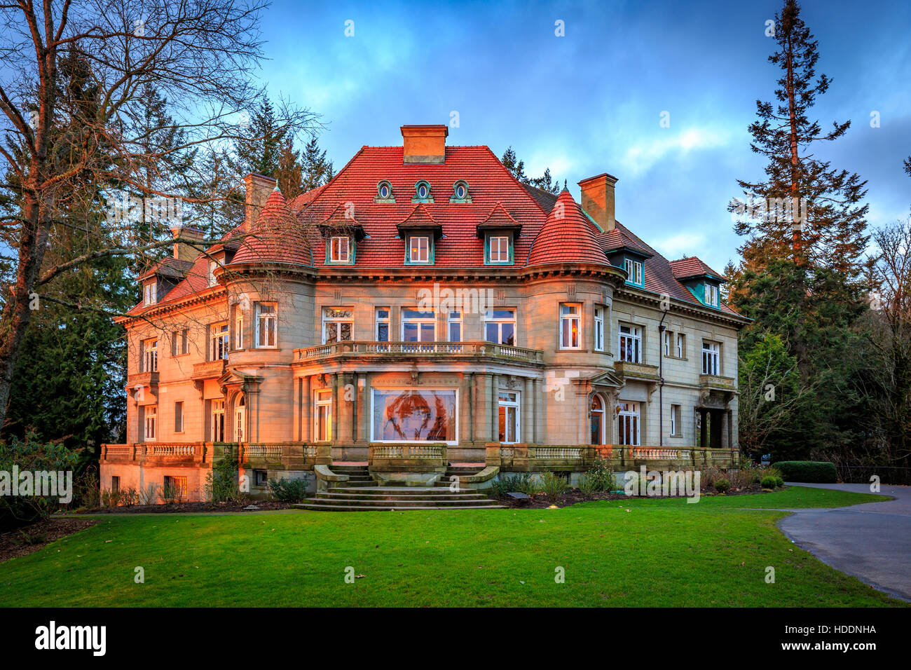 Portland, Oregon, USA - February 7, 2016: Originally built in 1909, Pittock mansion is a French Renaissance-style - Stock Image