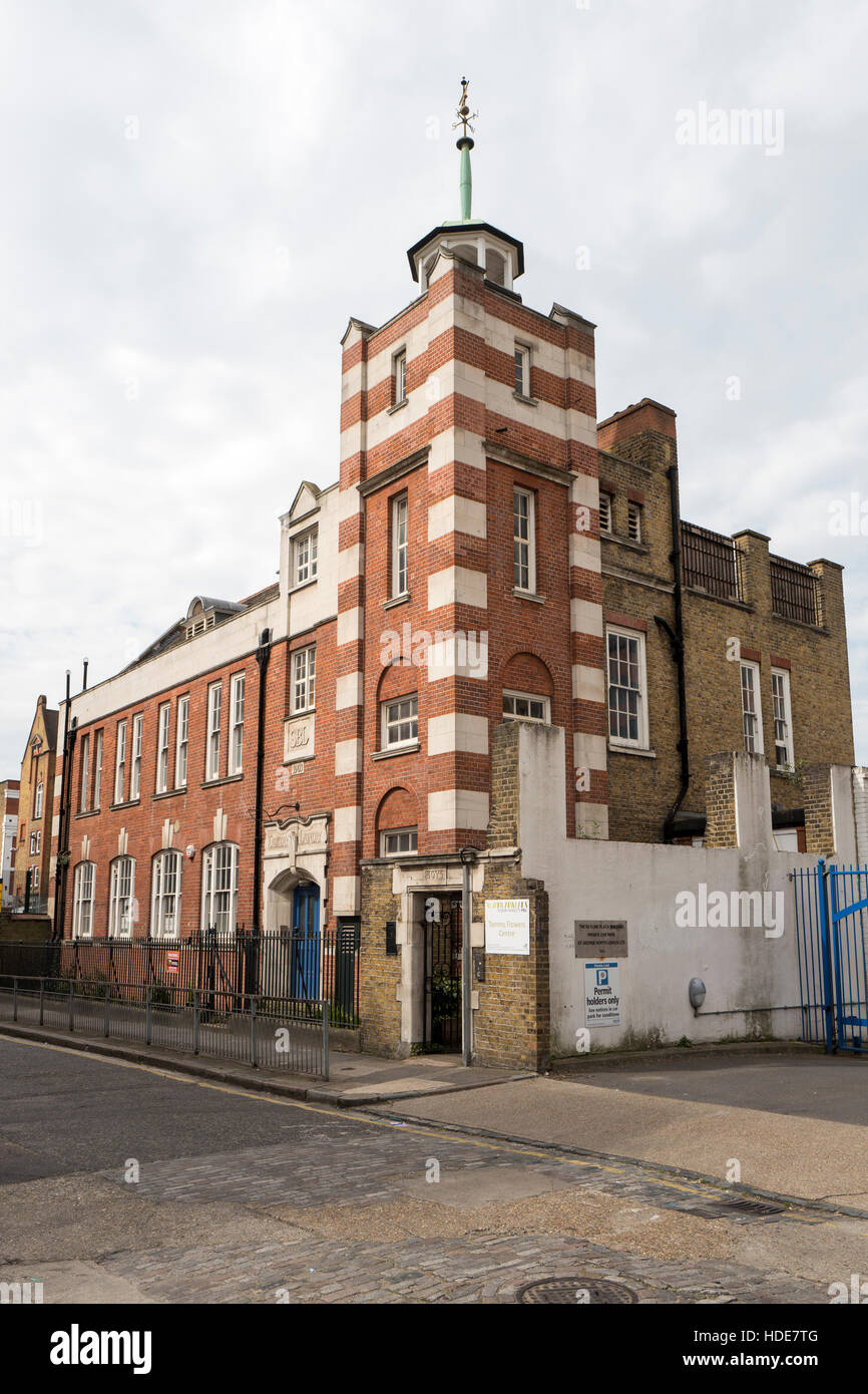 The Tommy Flowers Centre 16 Henriques Street E1 in Whitechapel the former London School Board Combined Skills centre - Stock Image